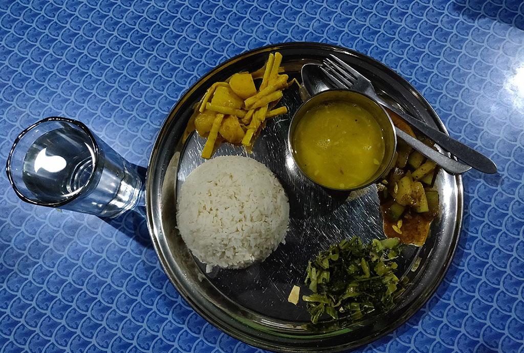 ghorepni poon hill trek food cost