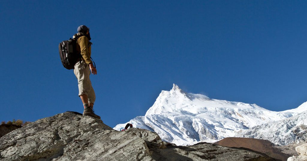 manaslu trek distance