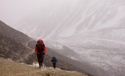 manaslu trek without a guide