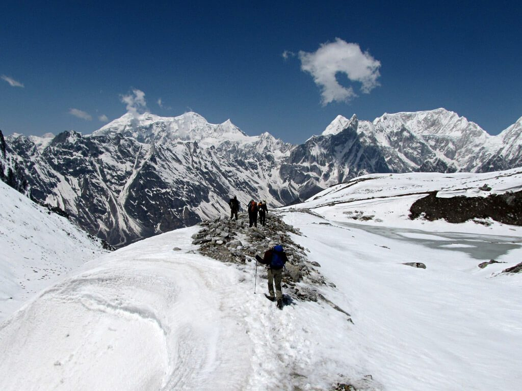 how difficult is manaslu trek